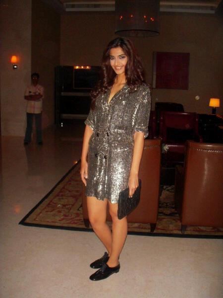 Sonam Kapoor in Bangalore for Aisha Promotions – Bollywood ...