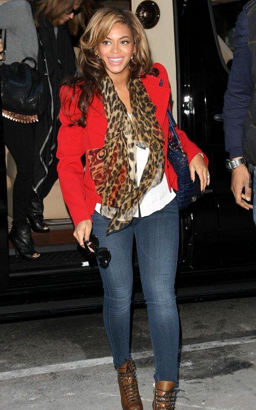 Beyonce – Bollywood Fashion Police