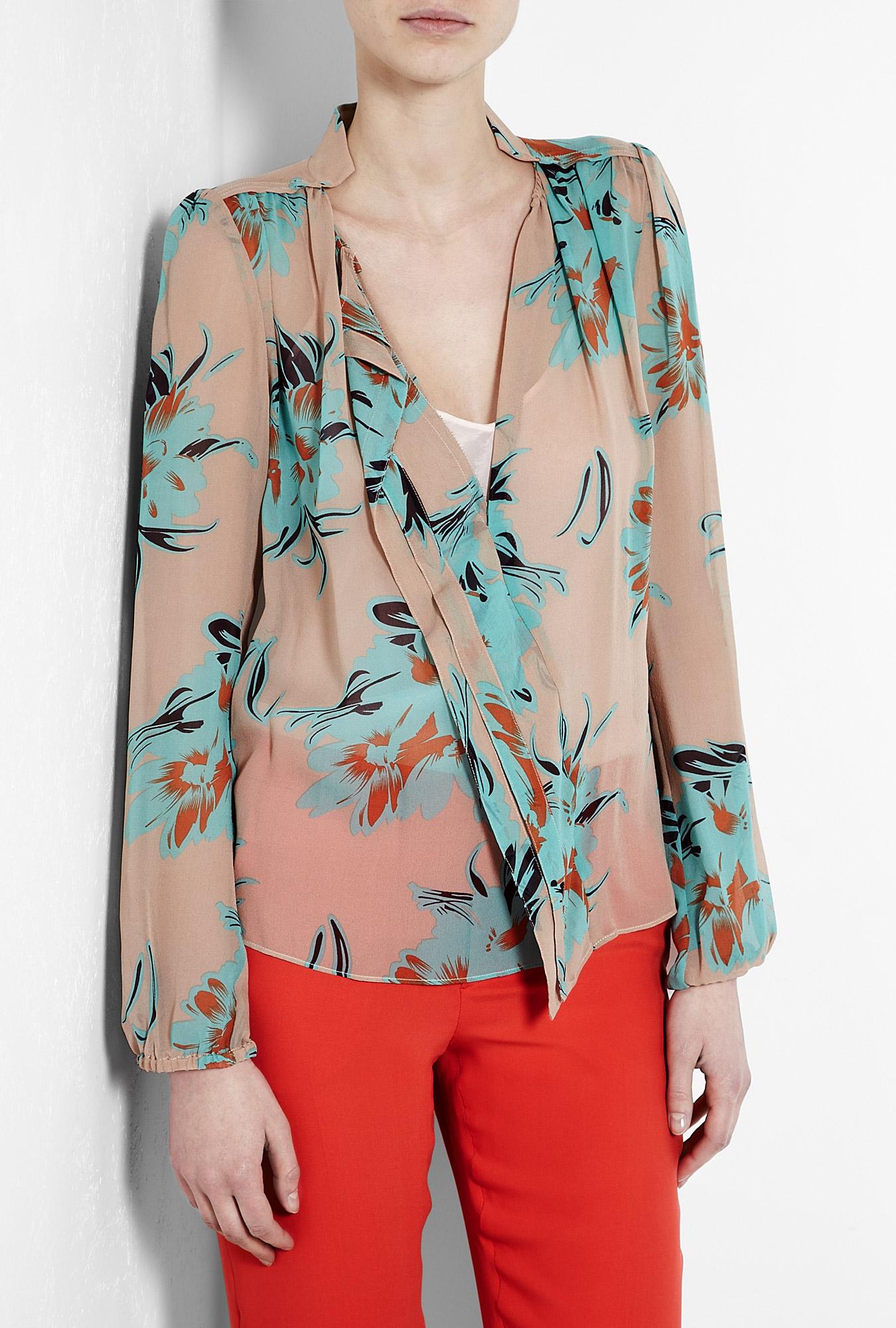 33c287f9ceb48 By Malene Birger Bartolomea Floral Print V Neck Silk Blouse ...