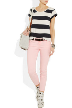 8bbe4c4fac51d Rolled up khakis with a sheer white blouse is a wonderful outfit to wear  for a picnic near the beach or a day ...