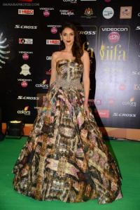 Aditi Rao Hydari at IIFA 2015 Awards day 3 red carpet on 7th June 2015 shown to user